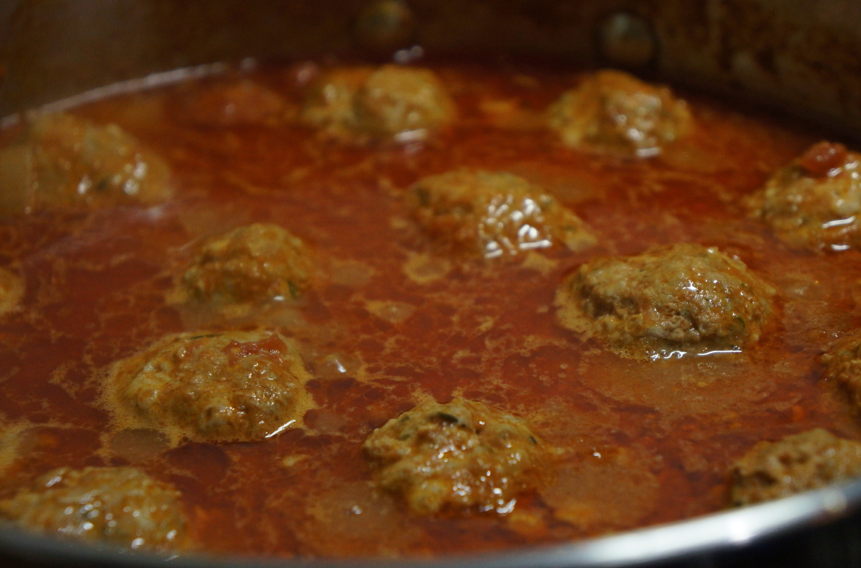 Lamb meatballs with sweet tomato sauce recipe