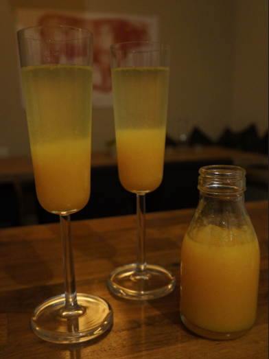 spiced peach bellini